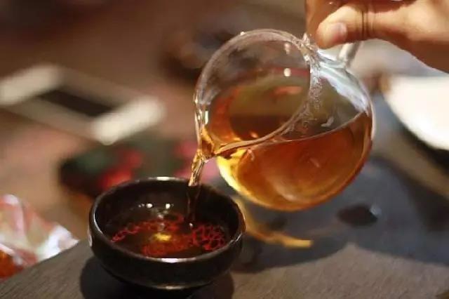 """湖南黑茶并不粗老,湖南黑茶中也有""""嫩芽嫩叶"""""""