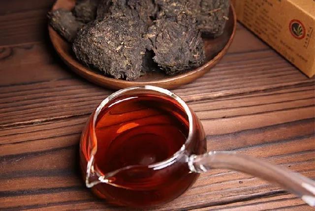 为什么夏天要喝安化黑茶?夏天喝安化黑茶的好处解析